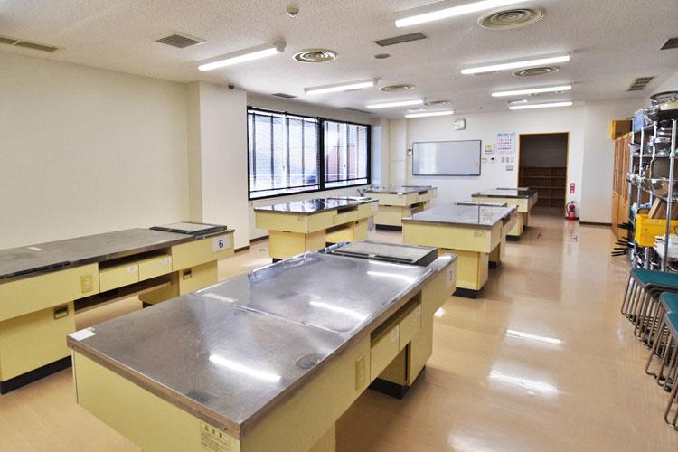 料理実習室(地域食材メニュー情報発信室)
